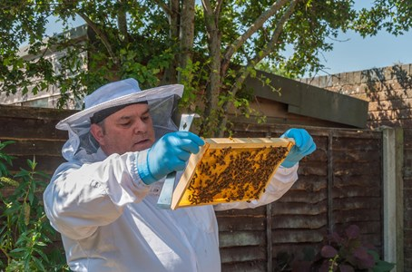 Jim thanks H4H for beekeeping course